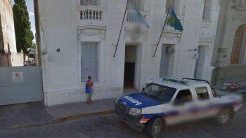 Dos policías abusaron de una chica en un patrullero