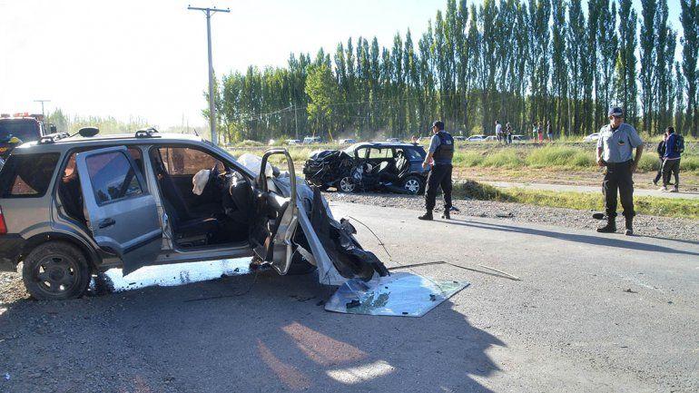 Quiso superar un auto y terminó chocando de frente en Ruta Chica: hay seis heridos