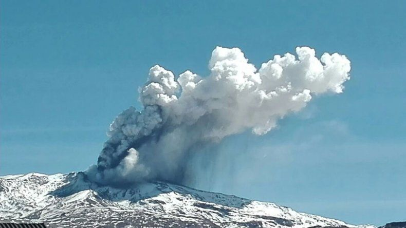 El volcán Copahue se encuentra en alerta Amarilla