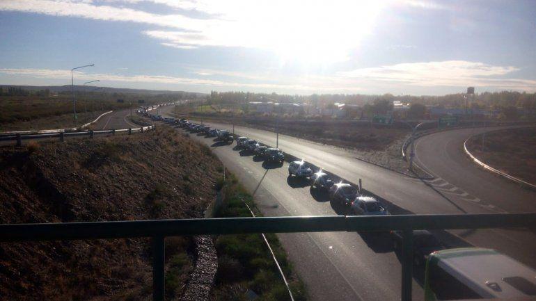 La Ruta 22 rumbo a la cordillera está colapsada de vehículos