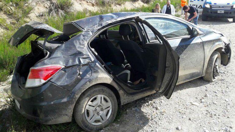 Una mujer murió tras un vuelco camino hacia Chile