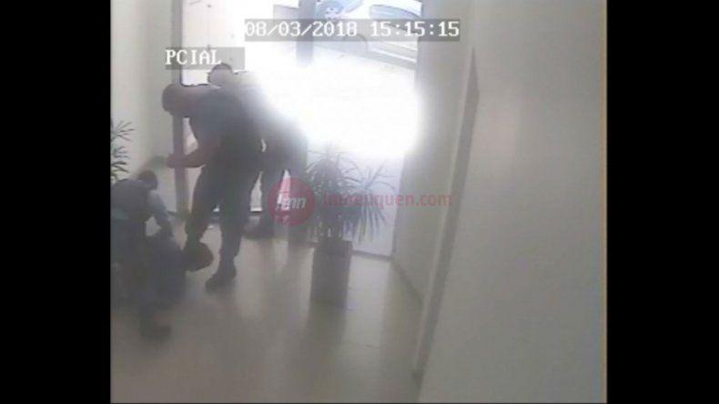 Así fue la brutal golpiza de la Policía neuquina a Facundo