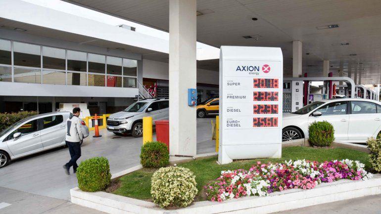 Estaciones de servicio ya aumentaron los precios de los combustibles