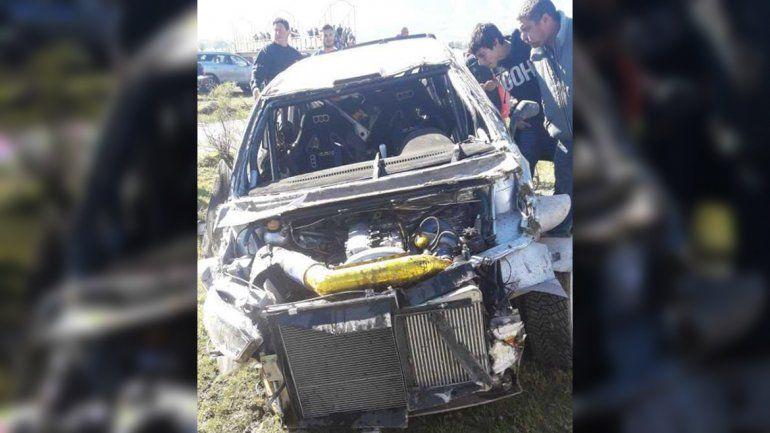 Palazo en el rally: Nalbandian volcó y su auto quedó destrozado