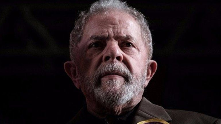 Con un país conmocionado, Lula pasó su primera noche en prisión