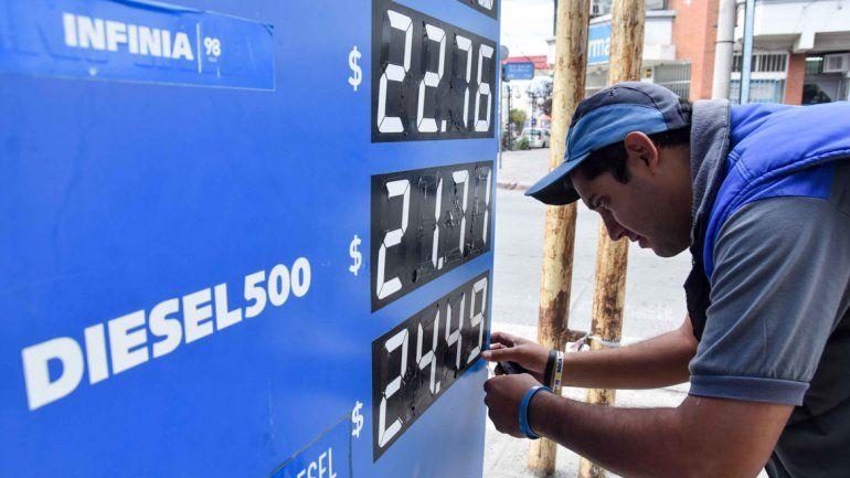 Los estacioneros nos saben cuál será el límite de aumento de los combustibles