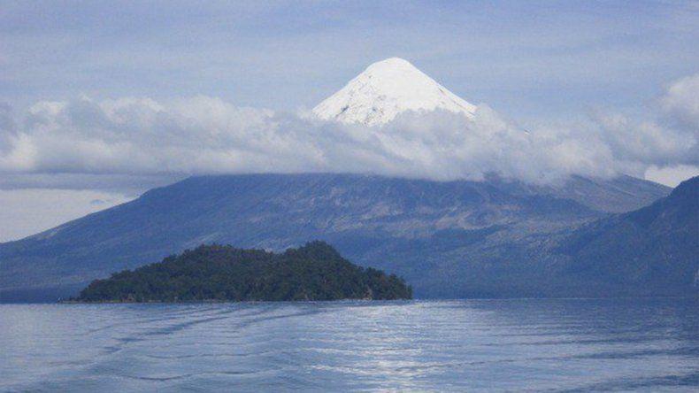 Ahora monitorean el volcán Osorno por un movimiento sísmico