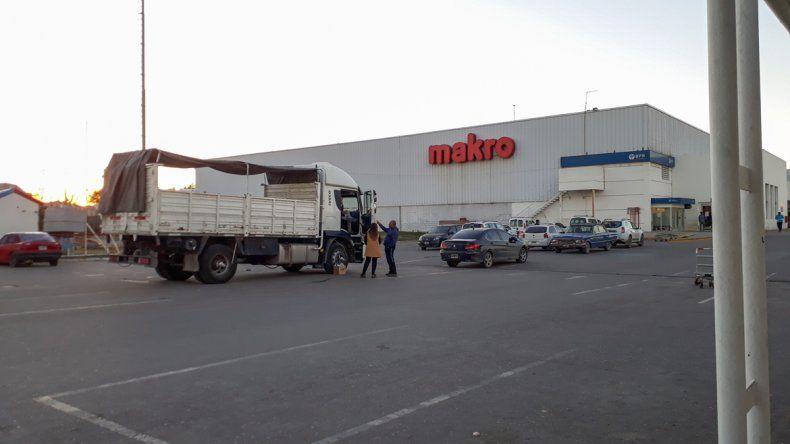 Un comerciante dejó $800 mil en el camión y se los robaron