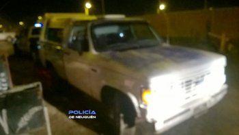 le roban la camioneta, se quedaron sin nafta y la dejaron en neuquen