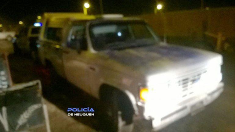 Le robaron la camioneta, se quedaron sin nafta y la abandonaron en Neuquén