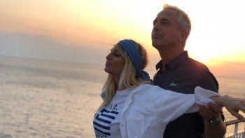 Vicky Xipolitakis anunció en TV que está embarazada