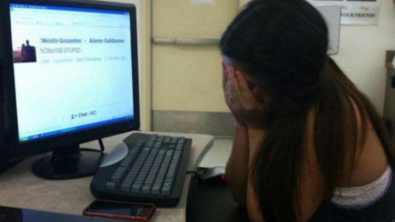 Le enviaba fotos sexuales a una chica de 13 años en Centenario