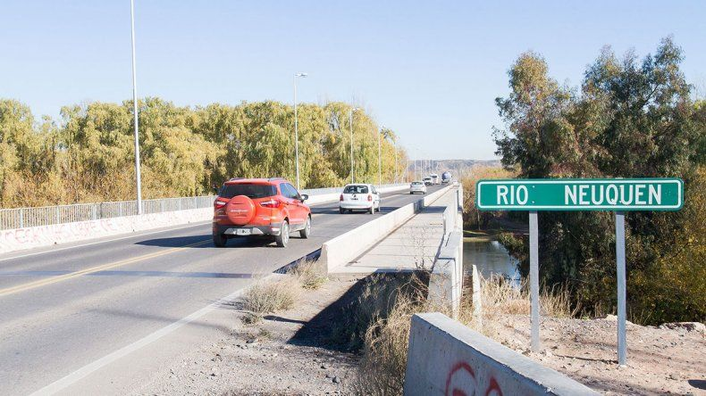 Uno de cada tres vehículos circula por el nuevo puente
