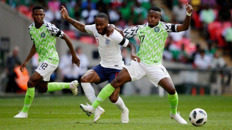 Nigeria le ganó a Islandia 2 a 0 y alimentó la ilusión argentina