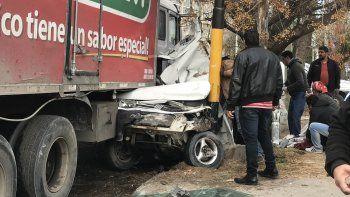tragedia: murio el bebe que fue aplastado por un camion
