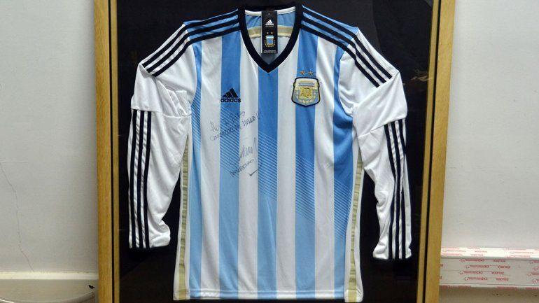 Dejale tu mensaje de aliento a la Selección y ganate la camiseta firmada por Mascherano