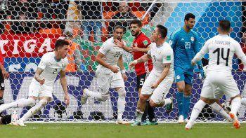 Uruguay va por el pase a octavos ante Arabia Saudita