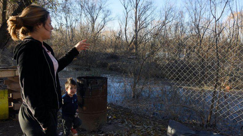 Hay 534 personas en riesgo por la crecida del río Neuquén