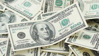 el dolar subio 60 centavos en 10 minutos y supero los $30