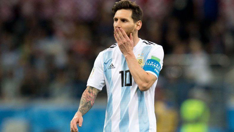 La primera final con el corazón: de penal Nigeria empató y Argentina sufre