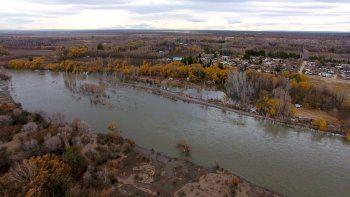 Aumenta el caudal del río Neuquén por pedido de energía de Nación