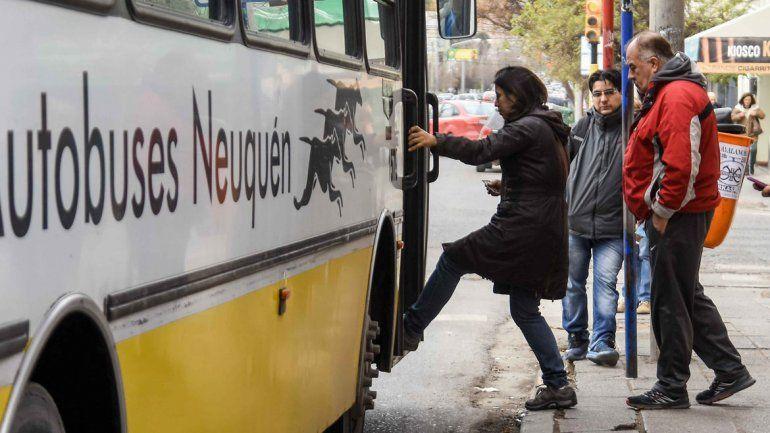Neuquén: amenazó con un arma al chofer porque no lo quiso llevar gratis