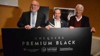 Lanzan chequera Premium Black con $363 millones en premios