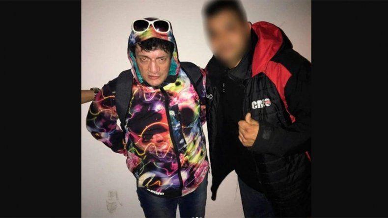 Un integrante del staff de Ulises Bueno publicó en las redes una foto que se sacó con Pity Álvarez en Pinar de Rocha