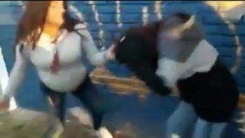 embarazada agredio brutalmente a una joven con el panuelo verde