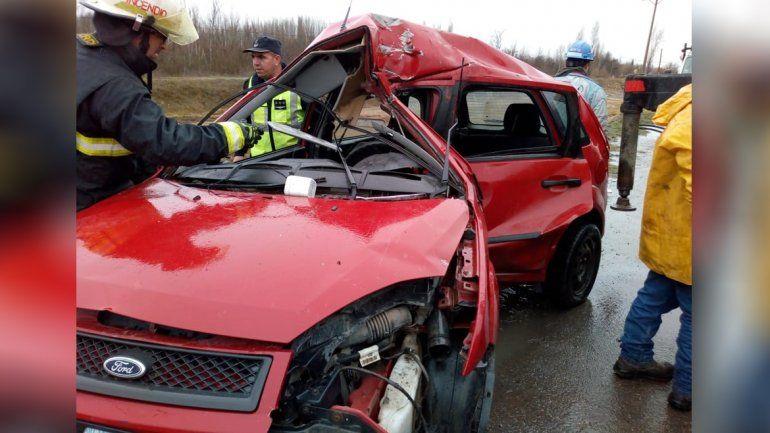 Murió el joven que chocó contra un poste en la Ruta 22 en Plottier