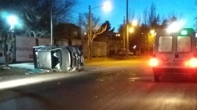 Un adolescente de 17 años murió en un vuelco en Neuquén
