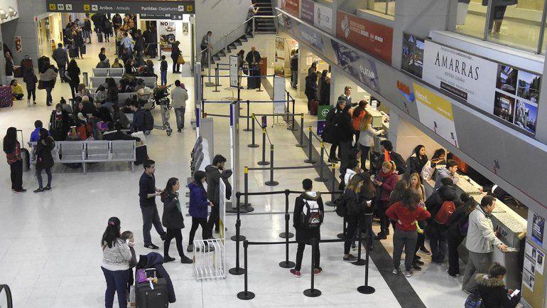 Flybondi lo hizo de nuevo: desde el lunes hay 180 pasajeros varados en Neuquén