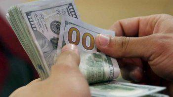 Dólar imparable: el oficial llega a los $36 y en las casas de cambios supera los $40