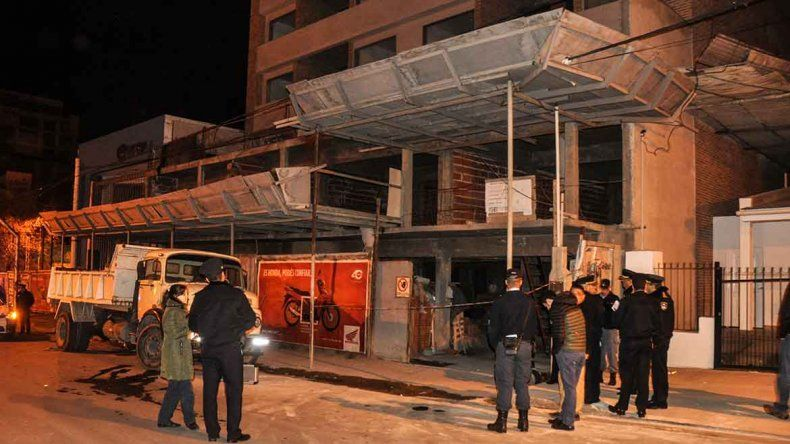 Investigan la muerte de un hombre en una obra en pleno centro de Neuquén