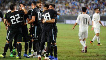La renovada Selección argentina goleó 3-0 a Guatemala