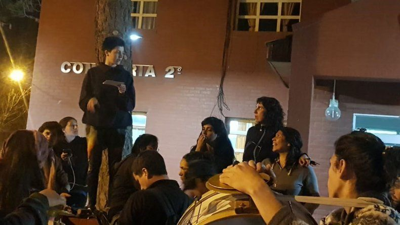 Siete detenidas en la presentación de la película de Santiago Maldonadoen Neuquén
