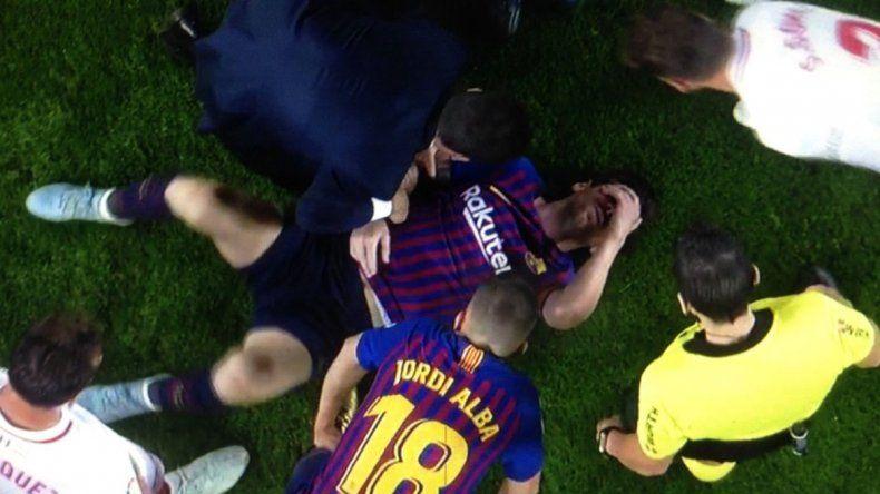 Messi se fracturó el brazo tras una fuerte caída
