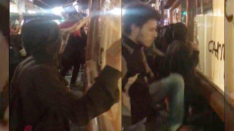 Escrache vegano en Buenos Aires contra una parrilla y una pizzería