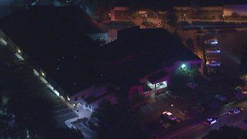 al menos 13 muertos en un tiroteo en un bar en california