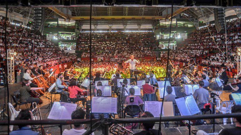 Nenes de Cipolletti disfrutaron de la Orquesta Sinfónica en el Ruca Che