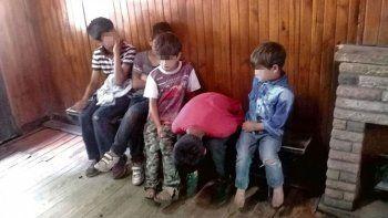 Encontraron a cinco hermanitos abandonados