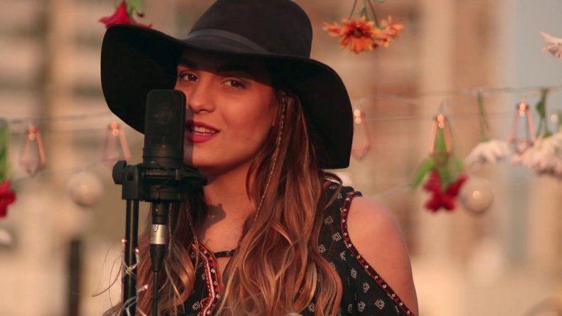Sigue la polémica en La Voz: Axel le contestó a la neuquina Camila Canziani