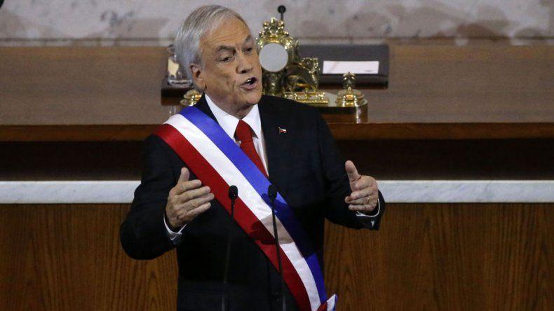 El presidente Piñera pidió la renuncia de todos sus ministros