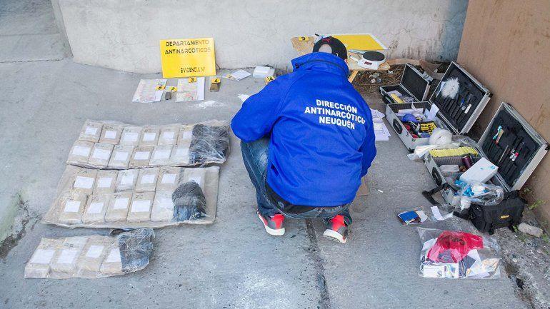 Secuestraron 20 kilos de droga en un operativo en la terminal