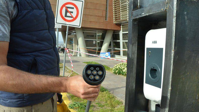 Habrá estaciones para ir a Chile en autos eléctricos