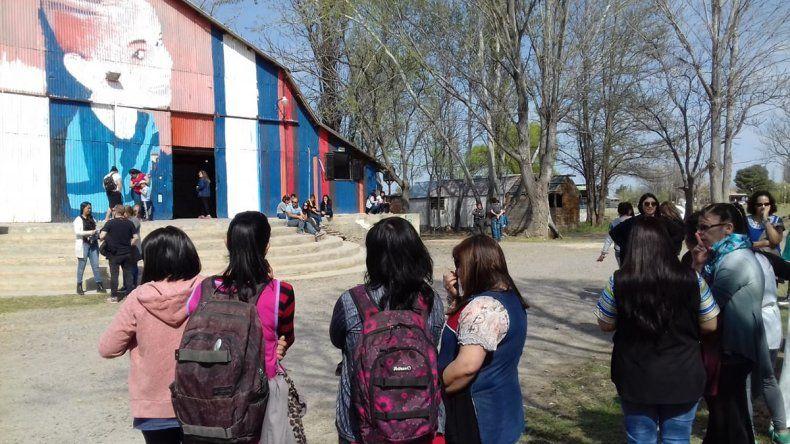 Un centenar de vecinos de Plottier despidieron a Cielo López