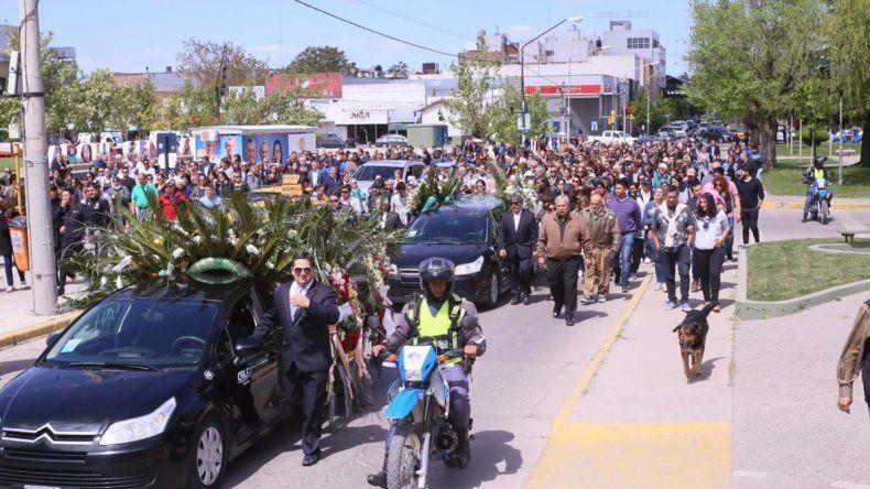 Emotivo: cientos de personas le dieron el último adiós a Pechi Quiroga