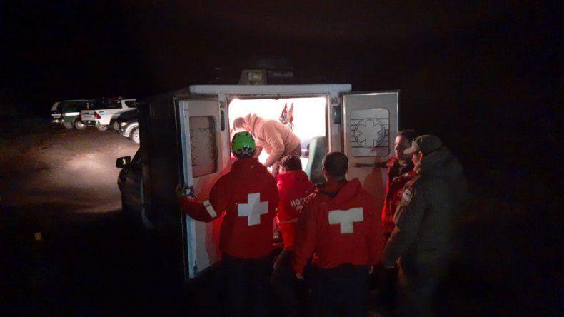 Rescataron a una pareja que fue sorprendida por viento blanco cuando subían el Lanín