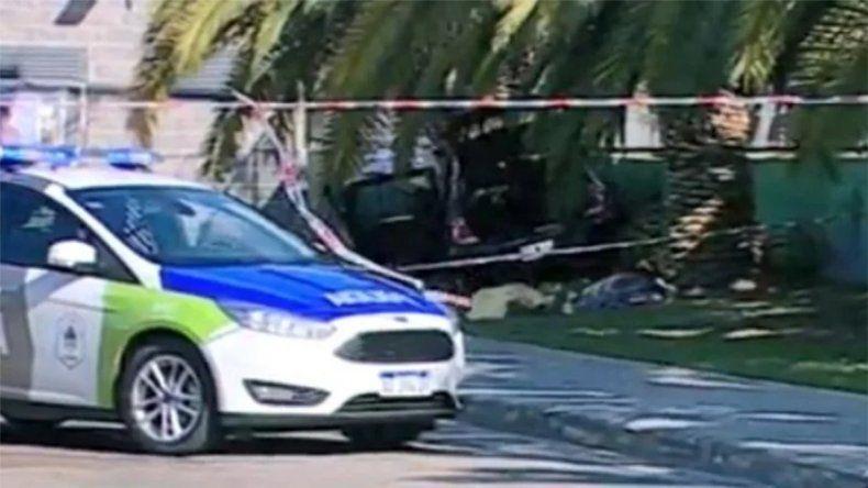 Accidente fatal en Quilmes: chocó con una palmera y murieron dos personas