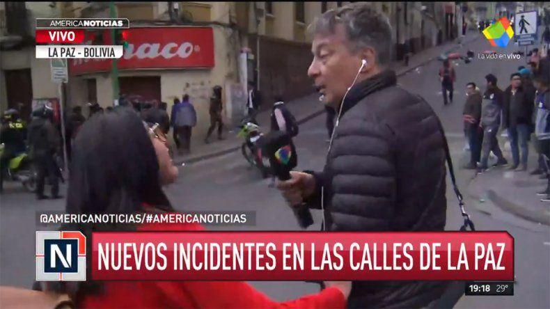 Agredieron en vivo al periodista Rolando Graña en Bolivia